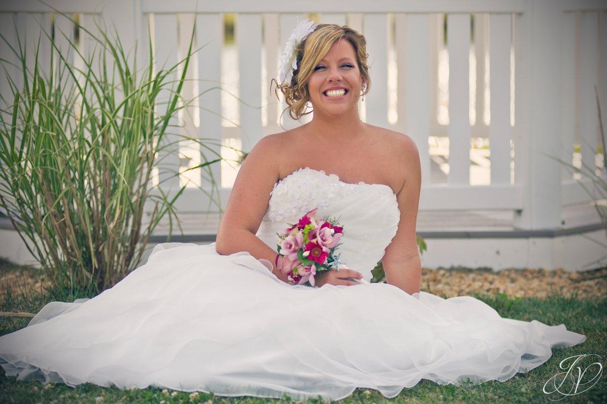 Settle Hill Tree Farm Wedding ,Albany Wedding Photographer, Michele and Sean, bride portrait, bride photo, wedding portrait