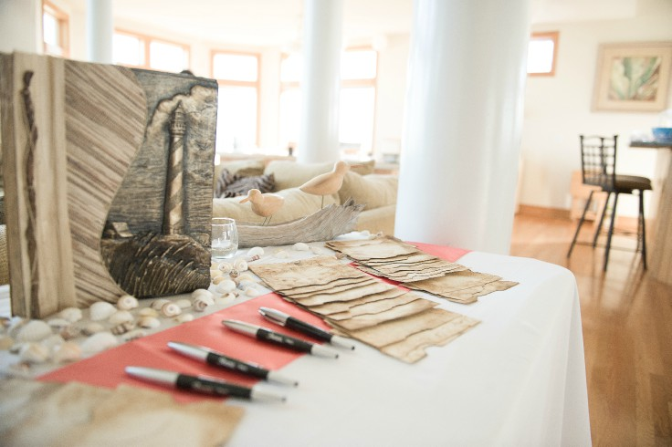 Guestbooks and decore