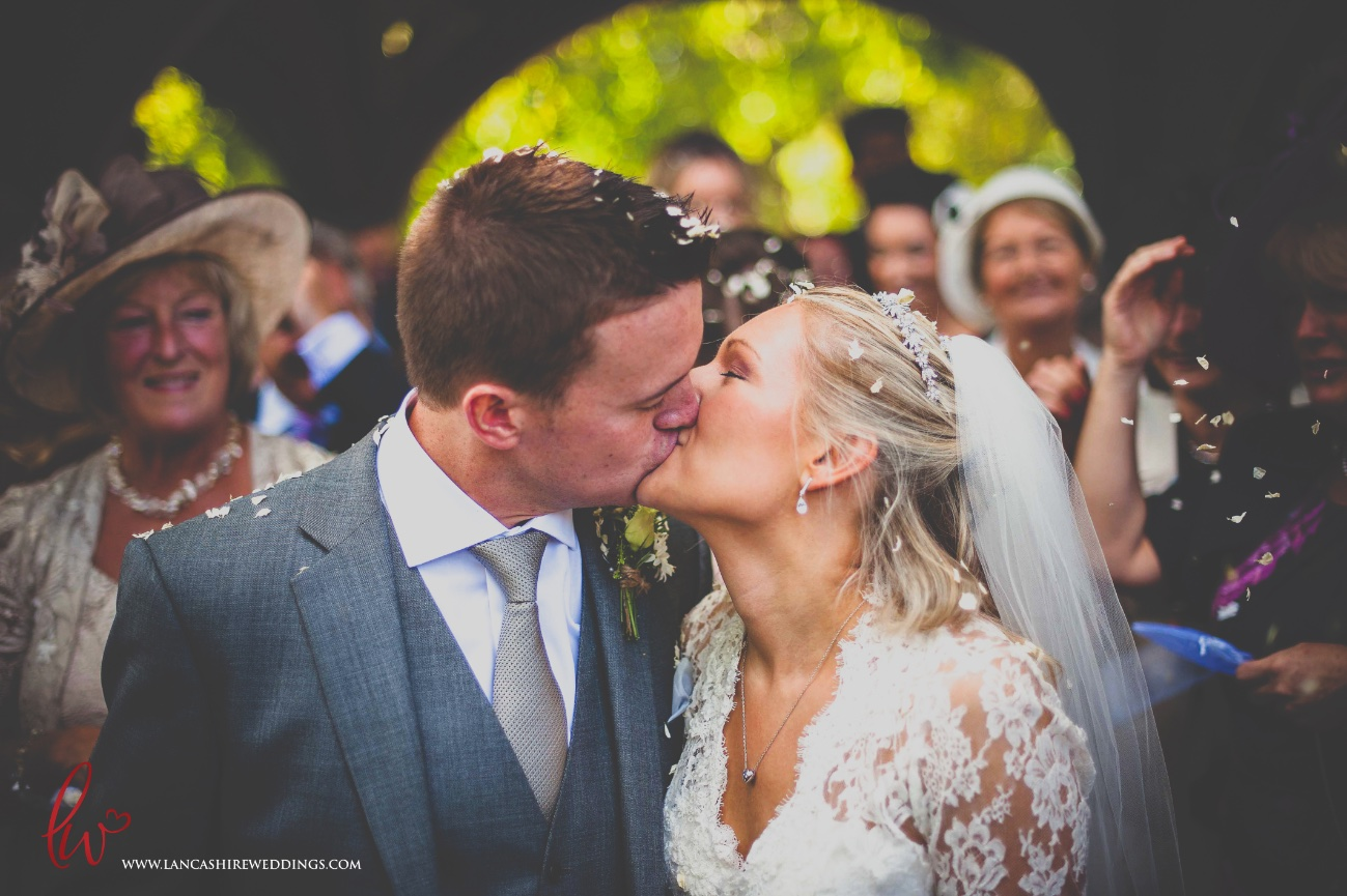 Liverpool wedding kiss