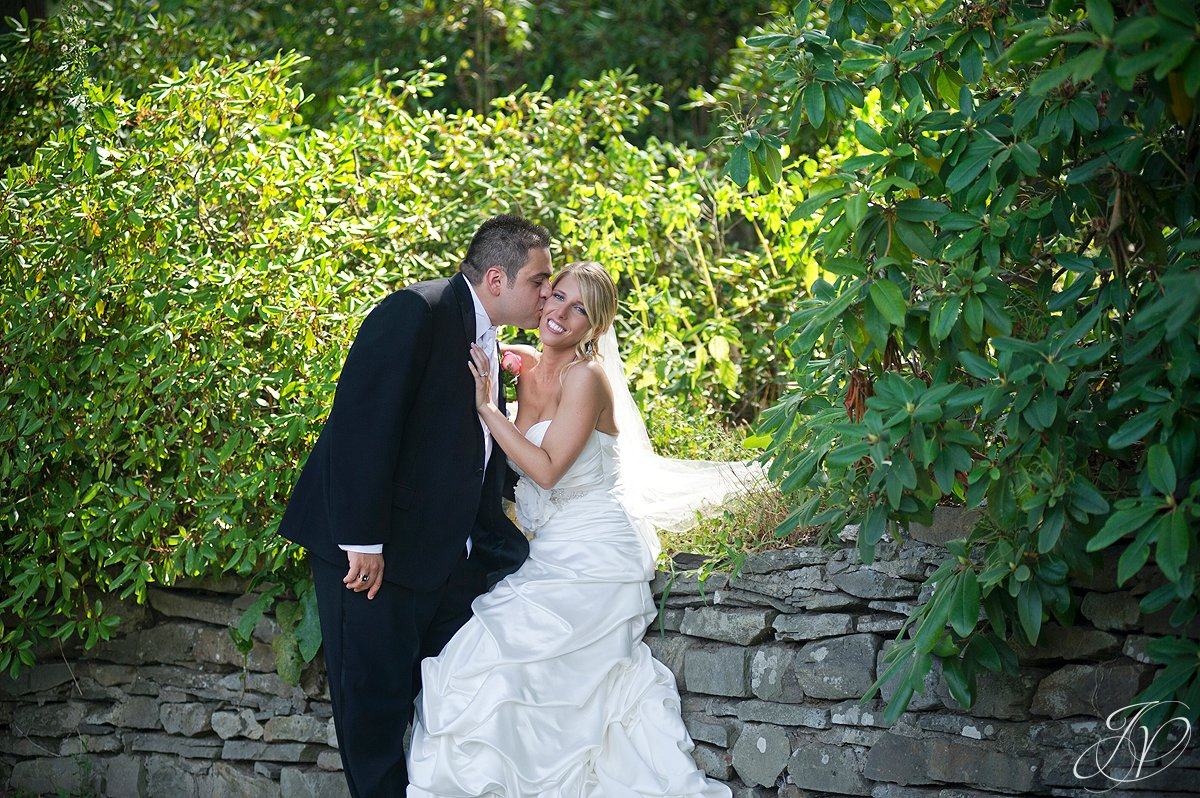awesome bride and groom photo, schenectady rose garden, Schenectady Wedding Photographer, Waters Edge Lighthouse