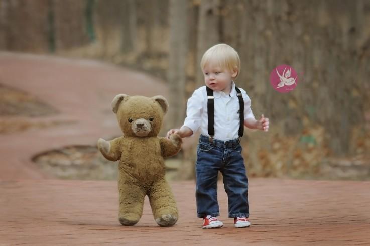Little buddy, big eyes   I   Bloomington, IN baby photographer