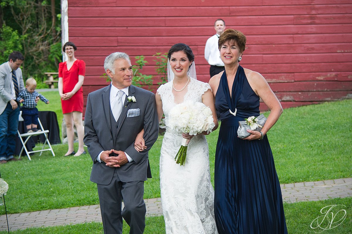 bride and parents walking down isle, jewish chuppah, hora, shidduch, ketuvah, cheder yichud, pruyn house wedding, albany wedding photography