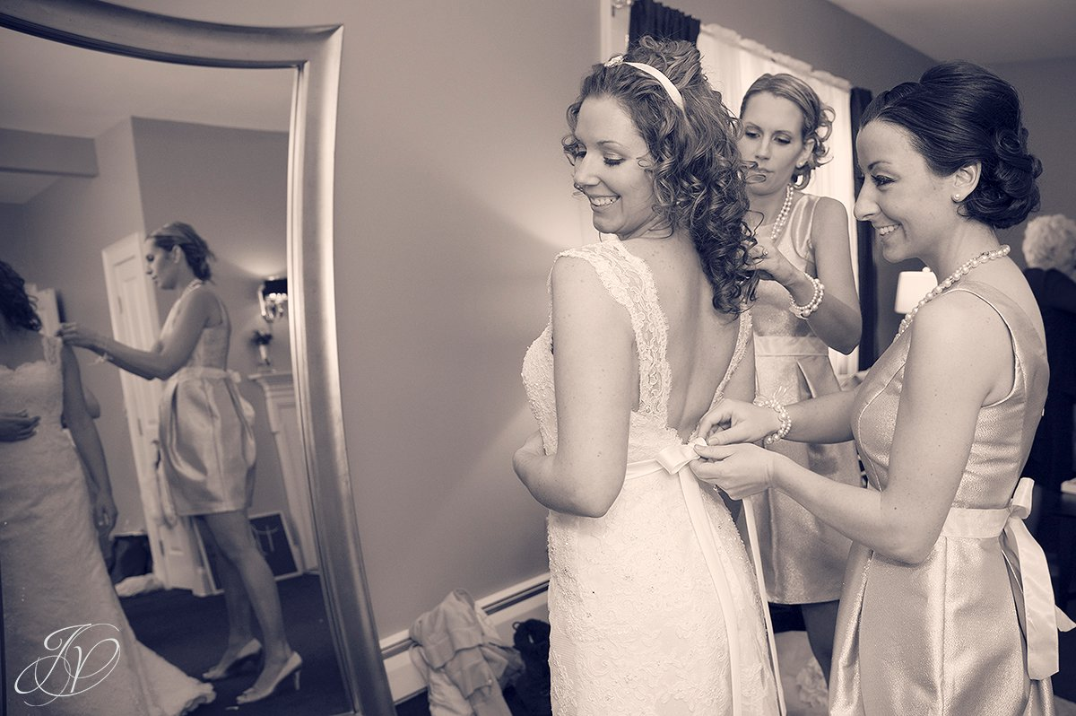 Bride in dress photos, beutiful bride photo, Crooked Lake House wedding, Albany Wedding Photographer, old daley inn, pre wedding photos, wedding detail photos