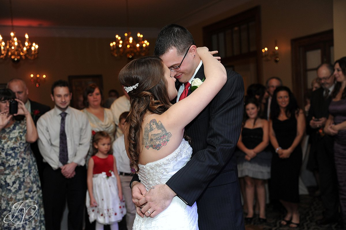 first dance, stockade inn, schenectady wedding photographers